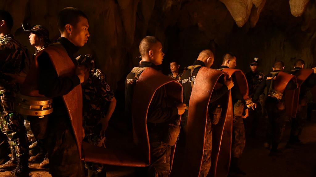 meditação 12 meninos presos em caverna na tailândia